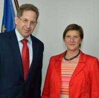 Dr. Lücking-Michel zusammen mit dem Präsidenten des Bundesverfassungsschutzes Dr. Hans-Georg Maaßen
