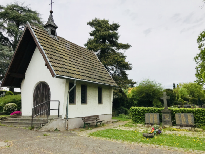 Kapelle mit Ehrenmal, alter Friedhof Ippendorf