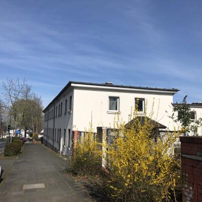 Bundeswehr Gebäude an der Provinzialstraße (Foto:B. Moll)